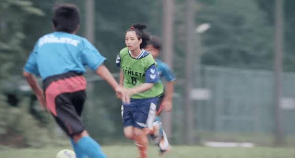 【動画】広瀬すずが映画「海街diary」で見せた華麗なサッカーシーン
