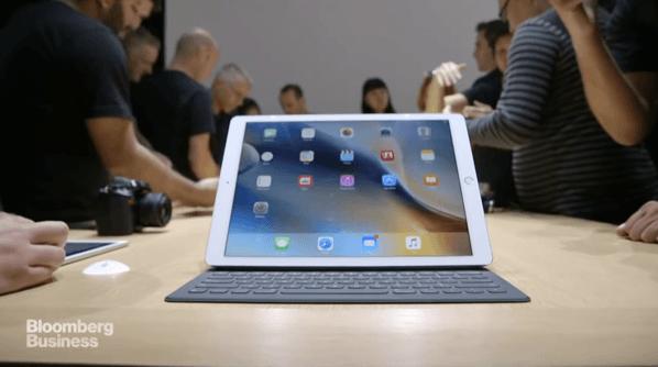 【iPad Pro】実際に触っている動画を見てみる → 「Smart Keyboard」や「Apple Pencil」はどうなのか?