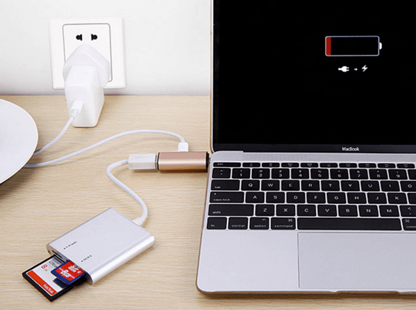 【USB-C】MacBookを充電しながら使えるUSBハブ「USB 3.1 Type-C Charging Adapter」
