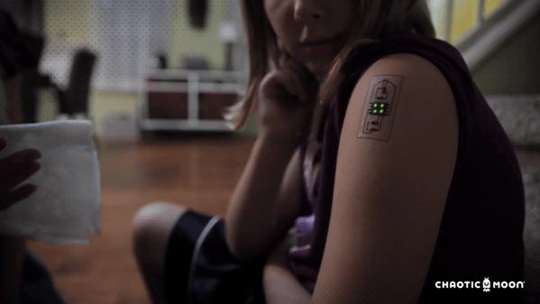 【動画】血圧や心拍数などのバイタルサインを計測するタトゥー「Tech Tats」