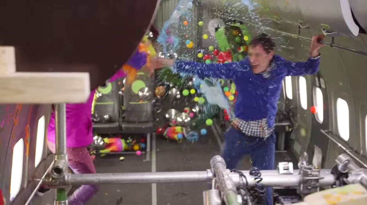 【動画】これが見たかった!「OK Go」無重力空間で撮影したMVのメイキング映像が公開