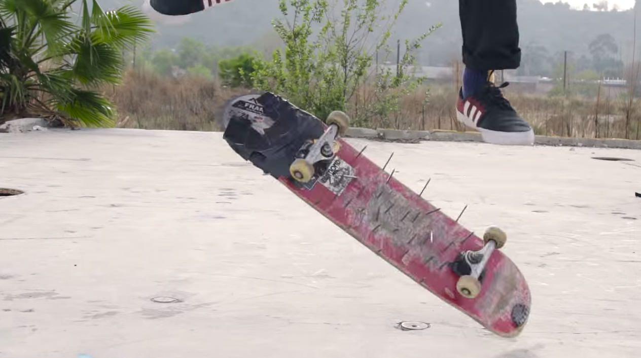 【動画】安心してください、刺さってますよ。世界で最も危険なスケートボード