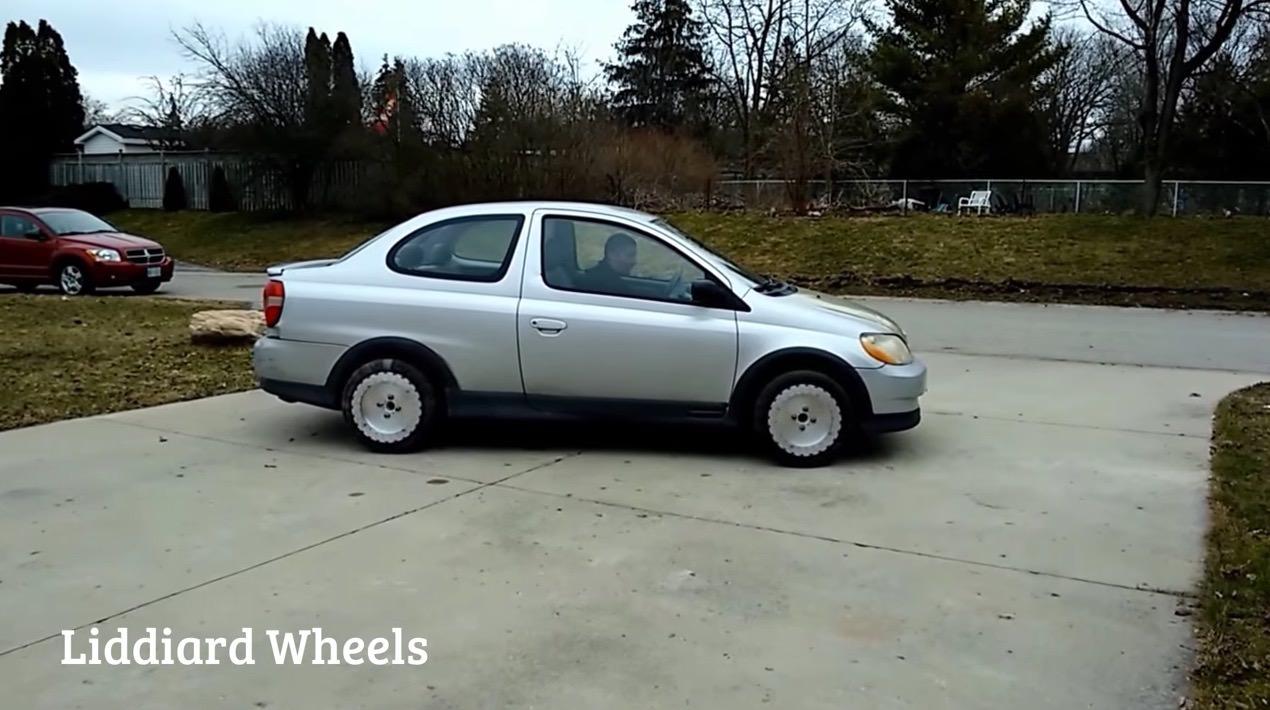 【動画】クルマが横滑りも可能になる全方位に移動可能な車輪