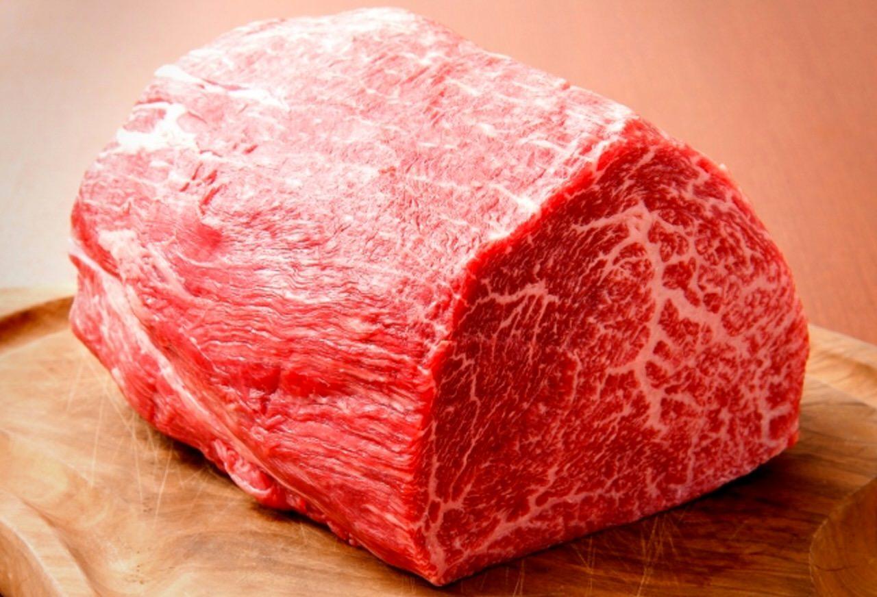 """平成29年2月9日""""肉年の肉の日""""から1週間「RUMP CAP(ランプキャップ)」と「寓(ぐう)」でA5神戸牛赤身ステーキ150gが2,900円"""