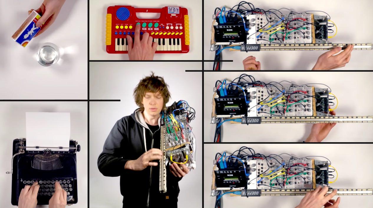 バイオリンのようなシンセサイザーとタイプライターとマッチとおもちゃのキーボードでロックマン2をカバーした動画