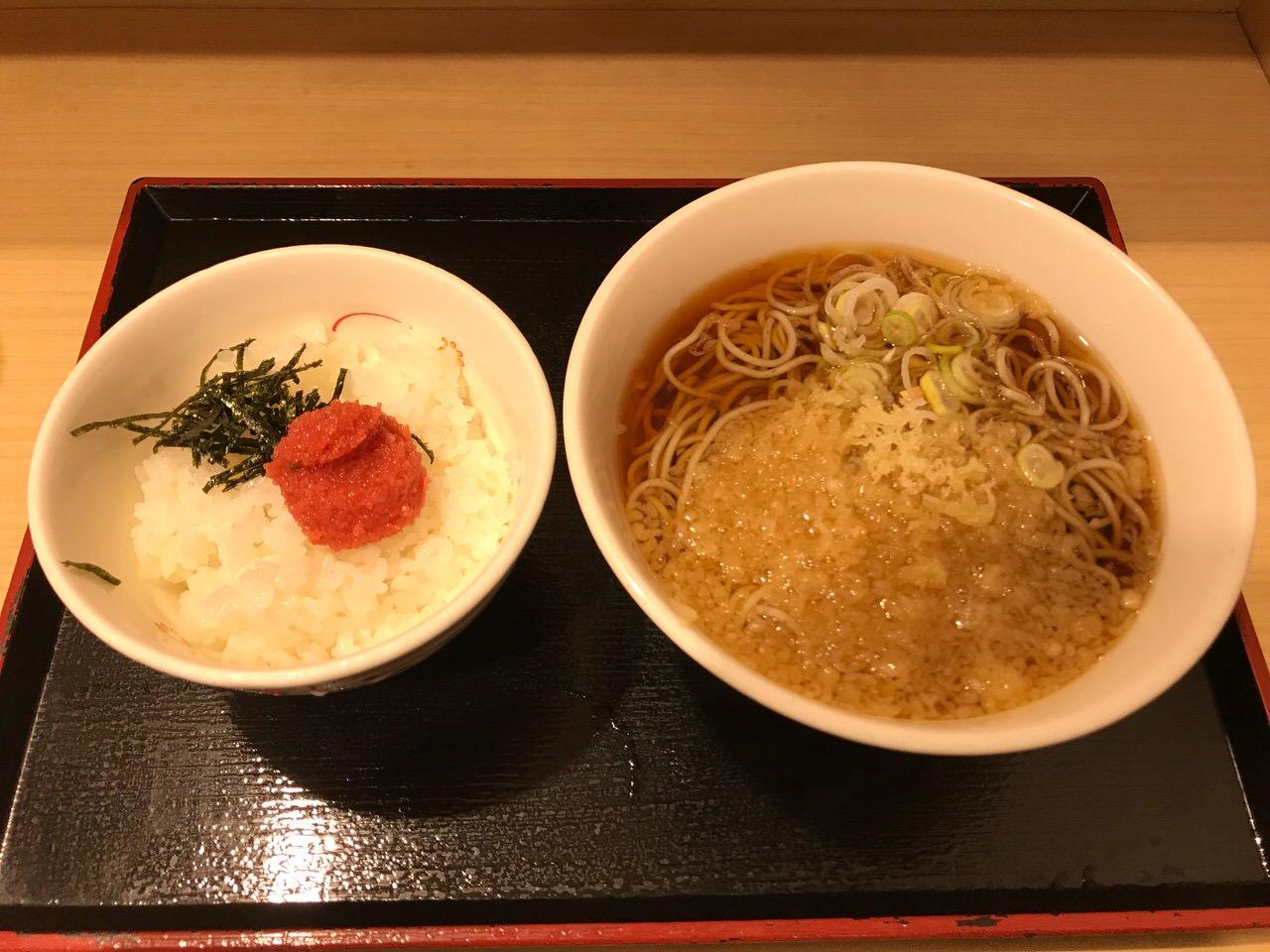 駅蕎麦「いろり庵きらく」朝食セットの明太子ごはんが妙に美味い
