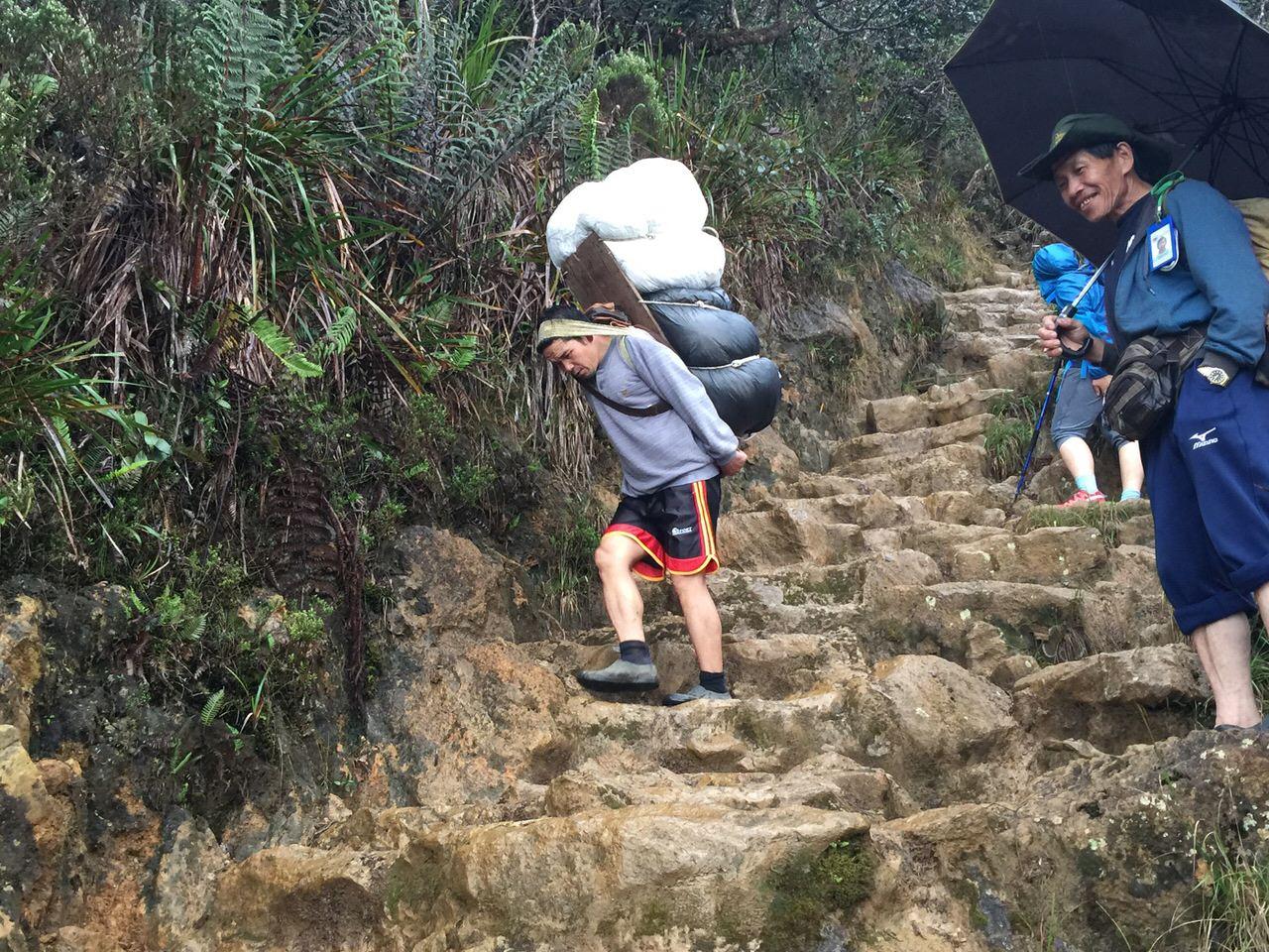 Kota Kinabalu climbing 4063