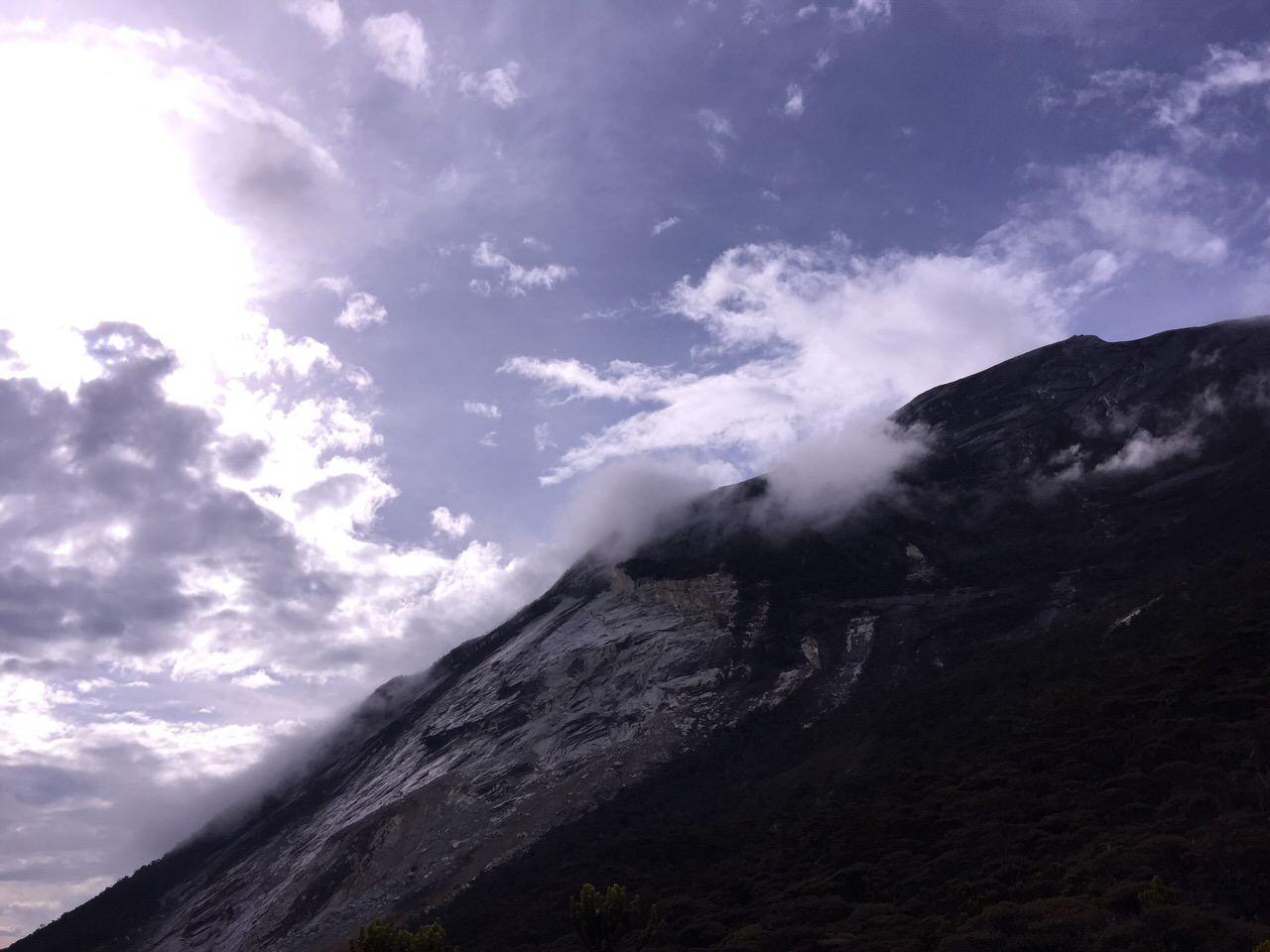 Kota Kinabalu climbing 4086