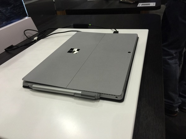 SURFACE BOOK 10 06 15 08 24