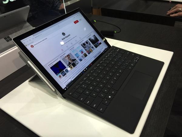 「Surface Pro 4」実機の写真 #AdobeMAX