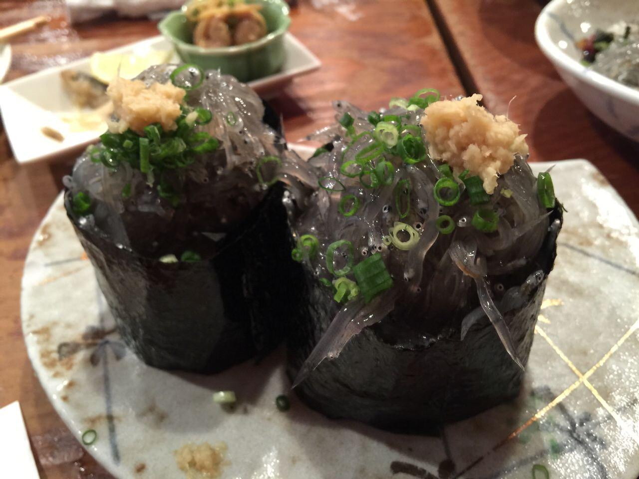 「網元料理 あさまる」旨い生しらすが食べたくなったら東海道線で茅ヶ崎に行ってしまうのが吉!朝採れ生しらすを浴びるほど食べた