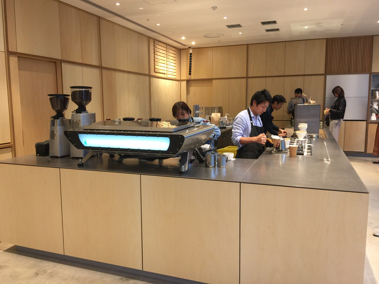 Blue bottle roppongi 8654