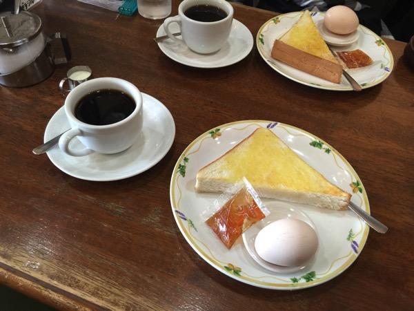 「ブラジルコーヒー」老舗の喫茶店で名古屋らしいモーニングを食べた(つまりコーヒーを注文したらゆで卵とトーストがついてきた)