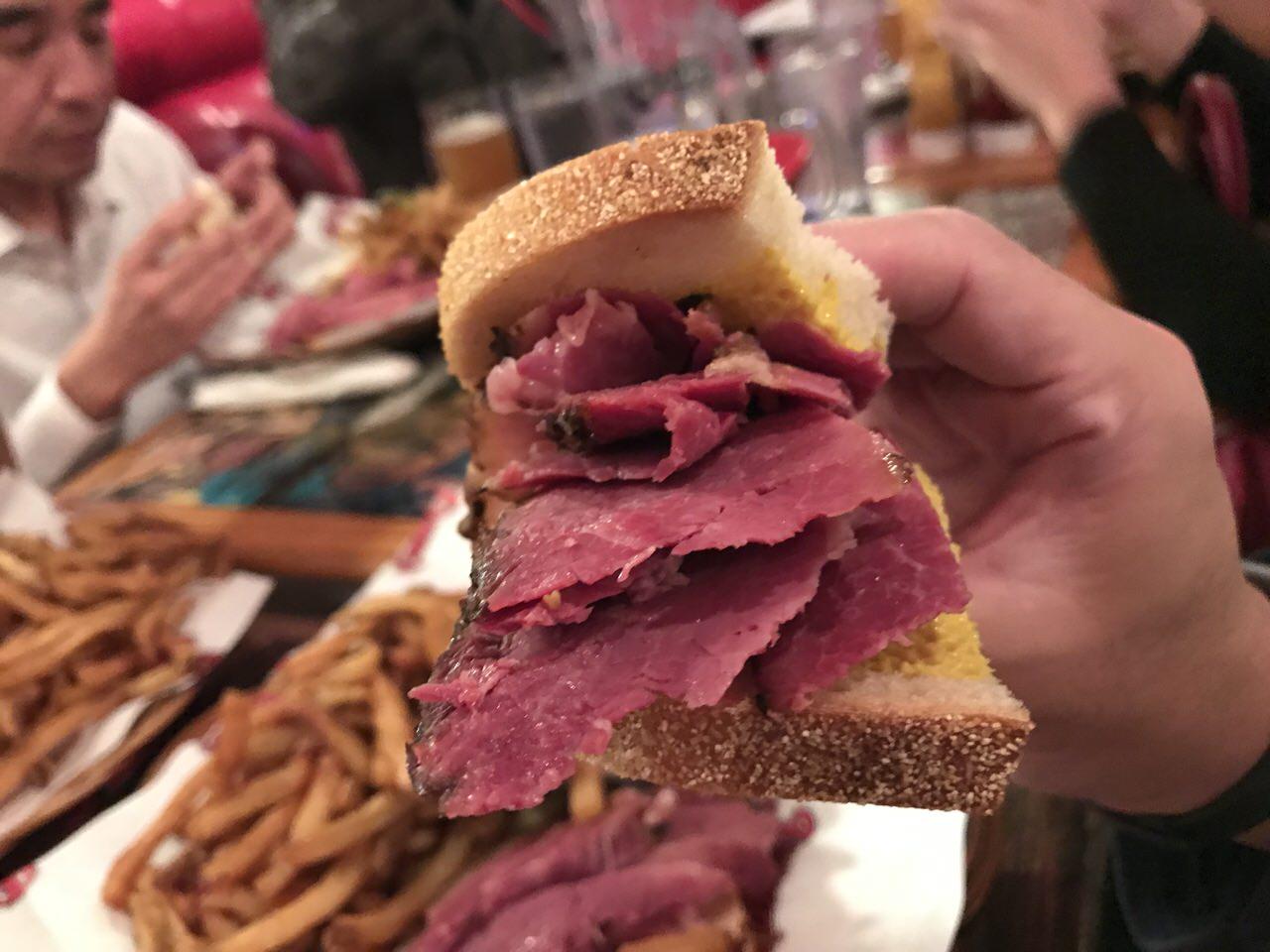 「スモークミート」モントリオールで食べる激旨サンドイッチ #GoMedia2016
