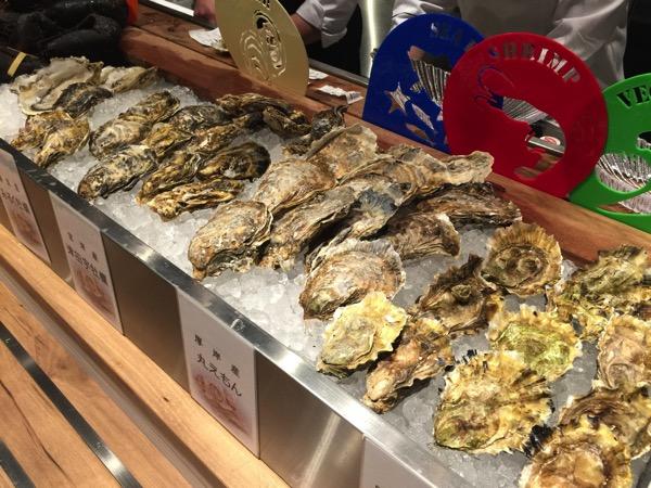「FISHERMAN'S BAR(新橋)」牡蠣&海老蟹の甲殻類好きにオススメ!アメリカ西海岸の雰囲気がある市場のようなバル