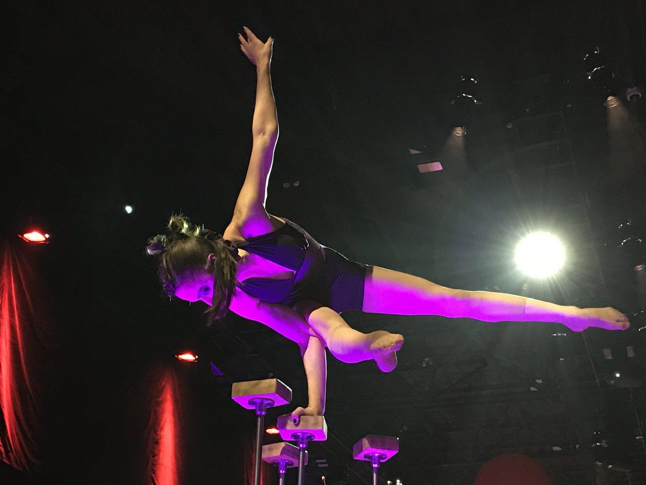 「Cirque Eloize(シルク・エロワーズ)」モントリオールといえばサーカスなパーティーに参加 〜パーティー向け便利グッズも発見 #GoMedia2016