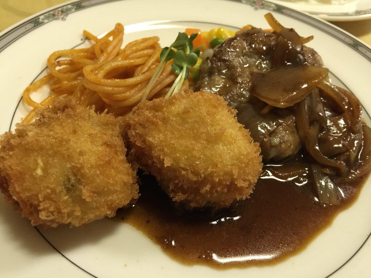 「菱富」浦和の老舗洋食店でミニハンバーグと帆立フライのAランチ680円を食す