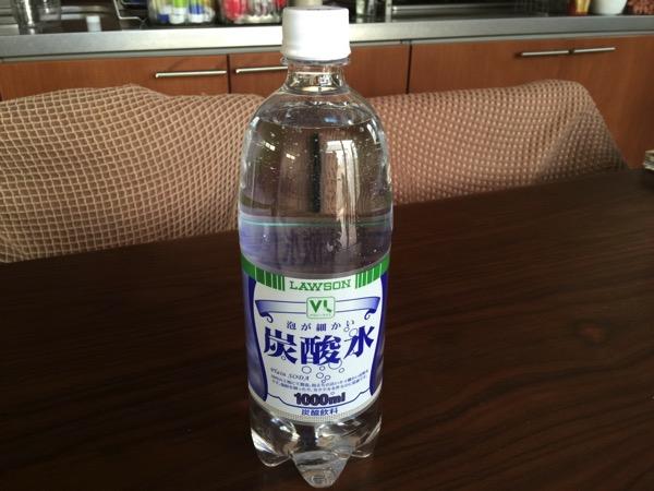 【100円ローソン】炭酸水1リットルが100円で非常にコスパ良いです!「VL炭酸水」
