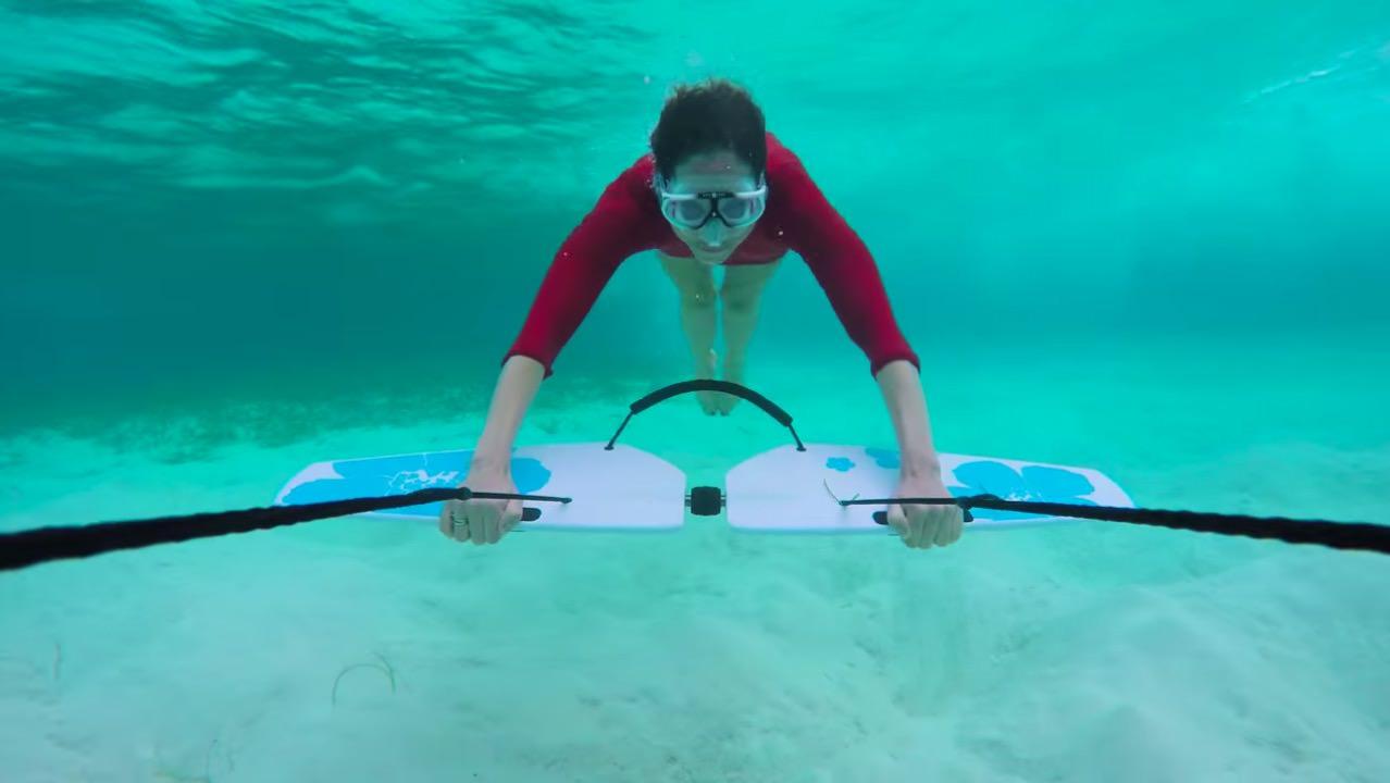 【動画】水中を飛ぶように泳ぐ新しいマリンスポーツ「Subwing(サブウィング)」