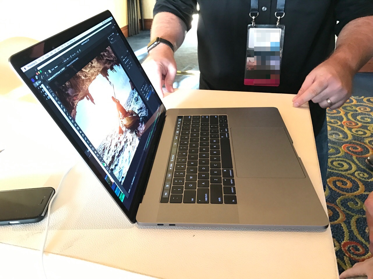 New macbook pro 0851