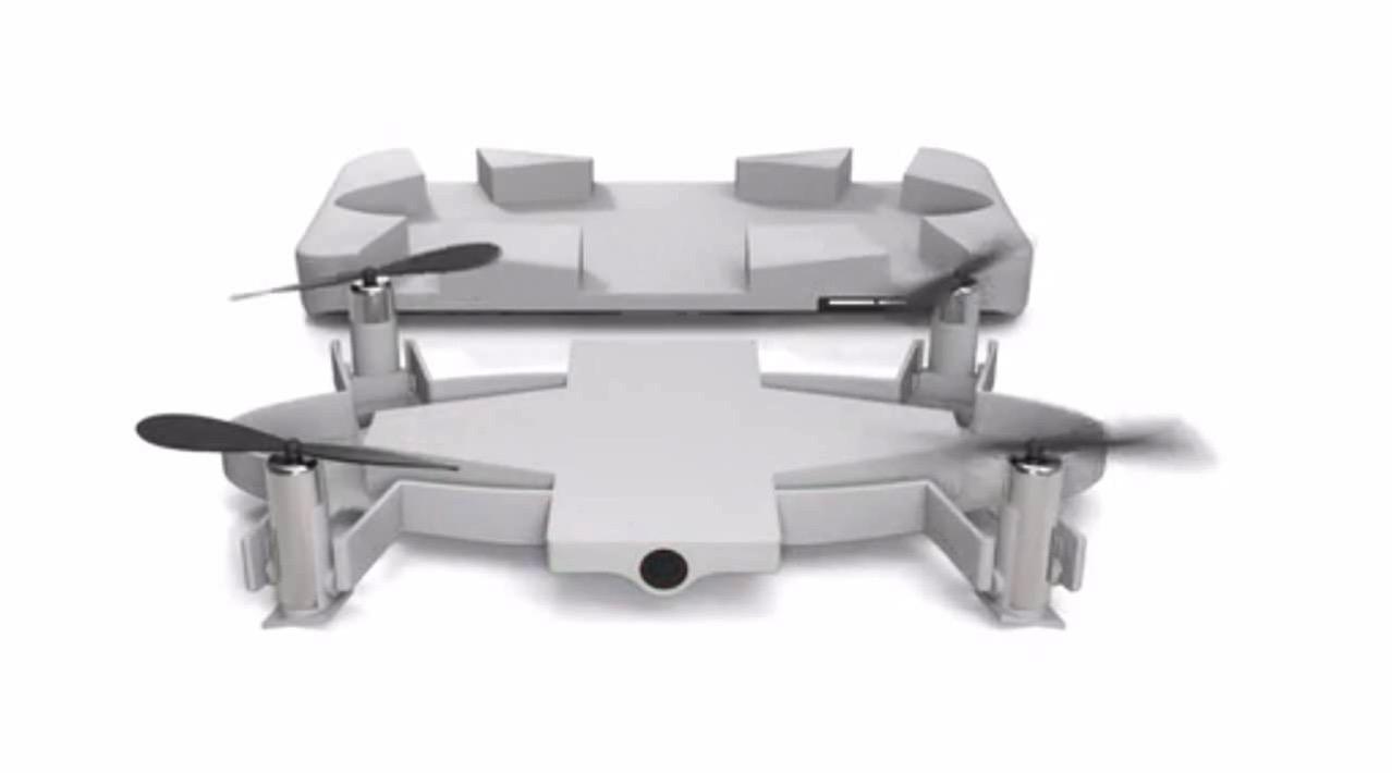 「SELFLY」スマホケースと一体化して持ち運びができるセルフィー用ドローン