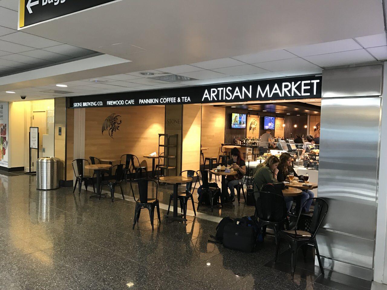 「STONE BREWING CO.」サンディエゴ空港のクラフトビールの店 #AdobeMAX