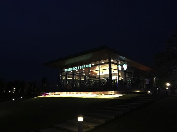 夜景を撮影!世界一美しいスターバックス「スターバックス富山環水公園店」