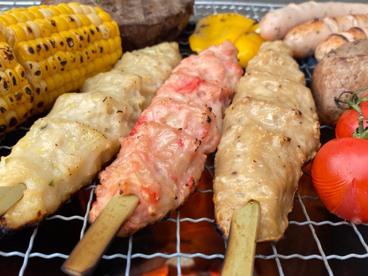 島根県で作られる焼くだけ簡単の海鮮・大山鶏の「BBQにぎり串」が美味そう