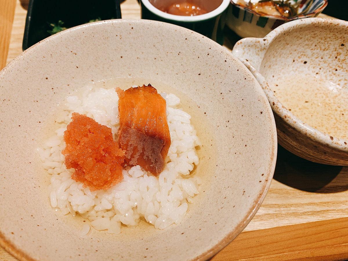 【大衆酒場きたぎん!】タラコ&漬物&ご飯が食べ放題の500円朝食「5種の小鉢の朝定食」 3