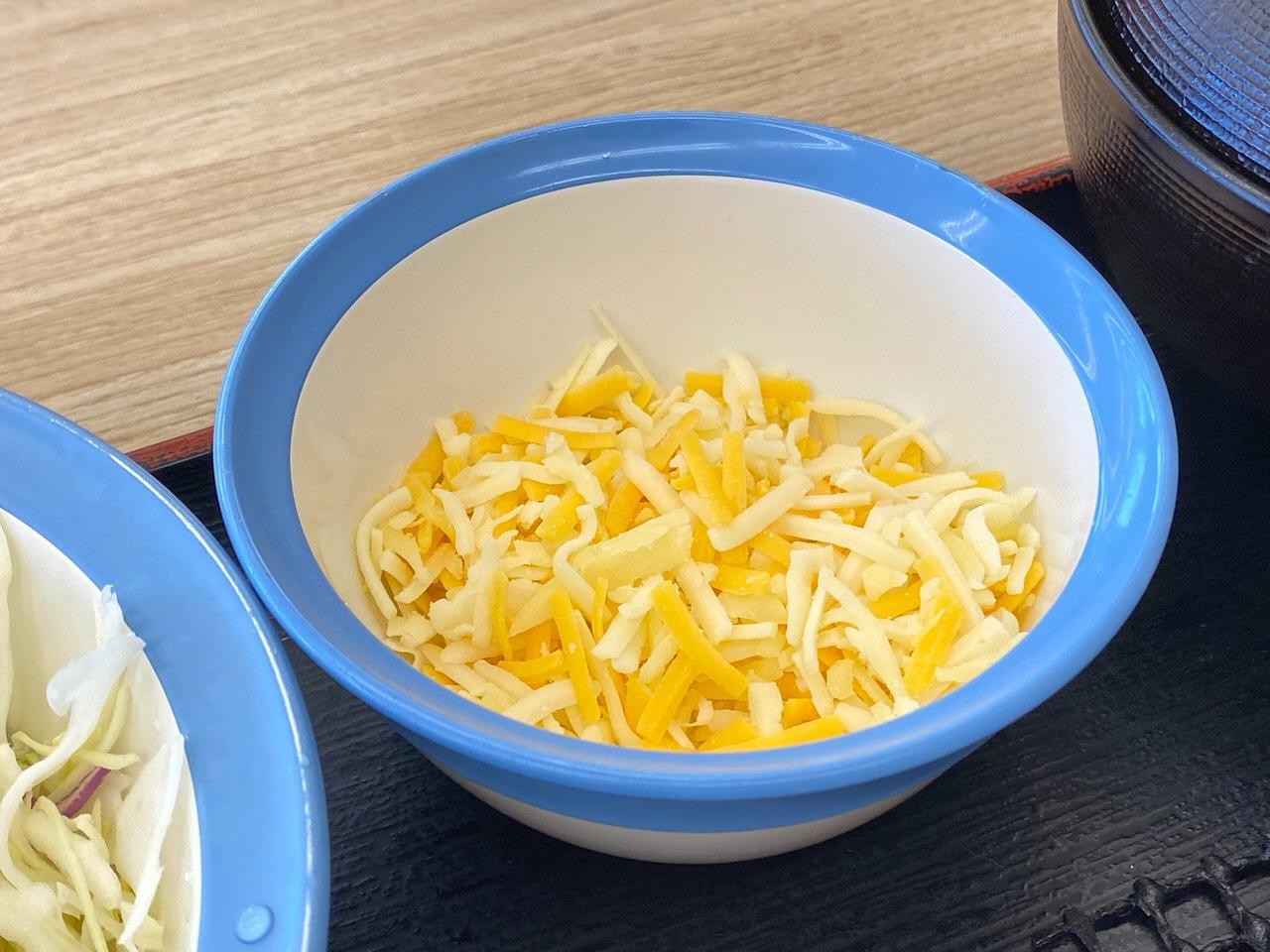 【松屋】復活した「シュクメルリ鍋」ニンニクチーズにさらに追いチーズ!最後の一口まで美味すぎた! 05