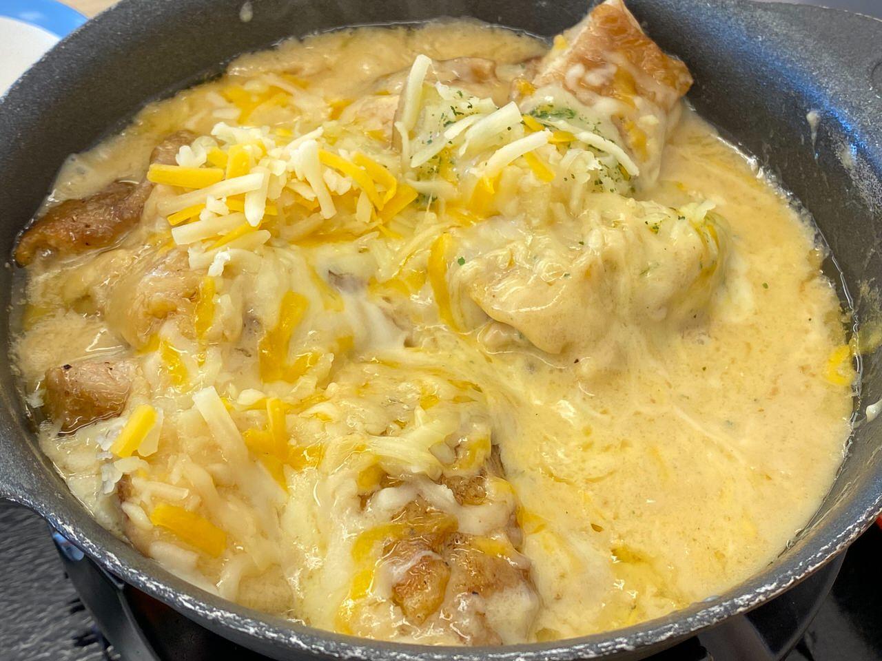【松屋】復活した「シュクメルリ鍋」ニンニクチーズにさらに追いチーズ!最後の一口まで美味すぎた! 11