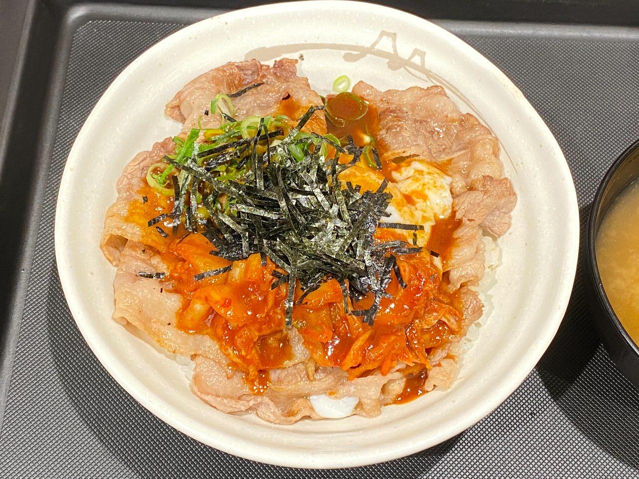 【松屋】定番メニューとなった「旨辛牛焼ビビン丼」を食べてみた 05