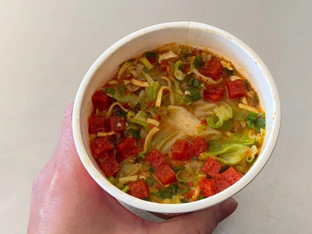 【中本】「蒙古トマタン」蒙古タンメンの辛旨味噌にトマトの酸味のスープが旨い 07