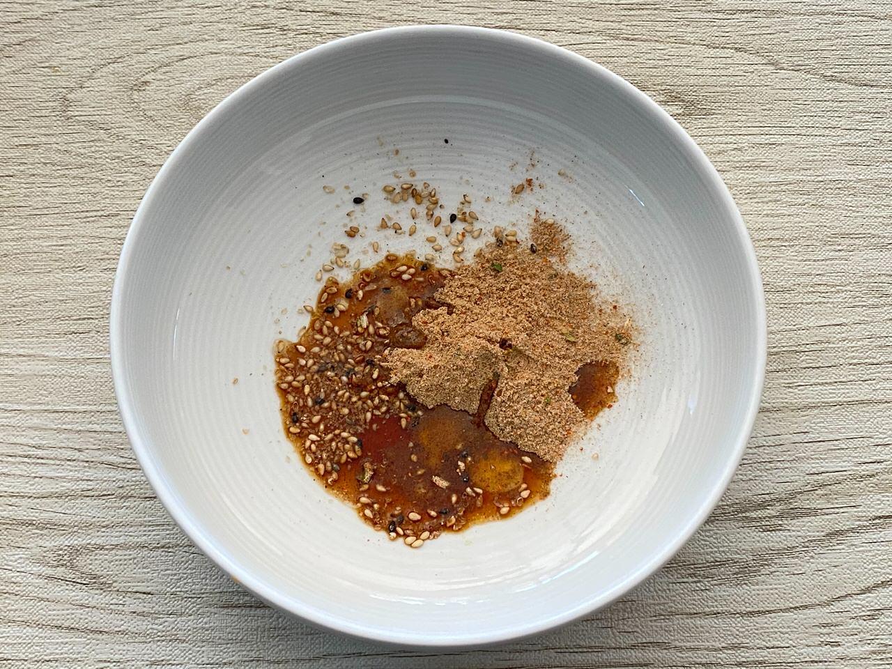 「サッポロ一番 しょうゆ味油そば ガーリックバター風」「サッポロ一番 ごま味まぜそば 辛口オイスター味」 05