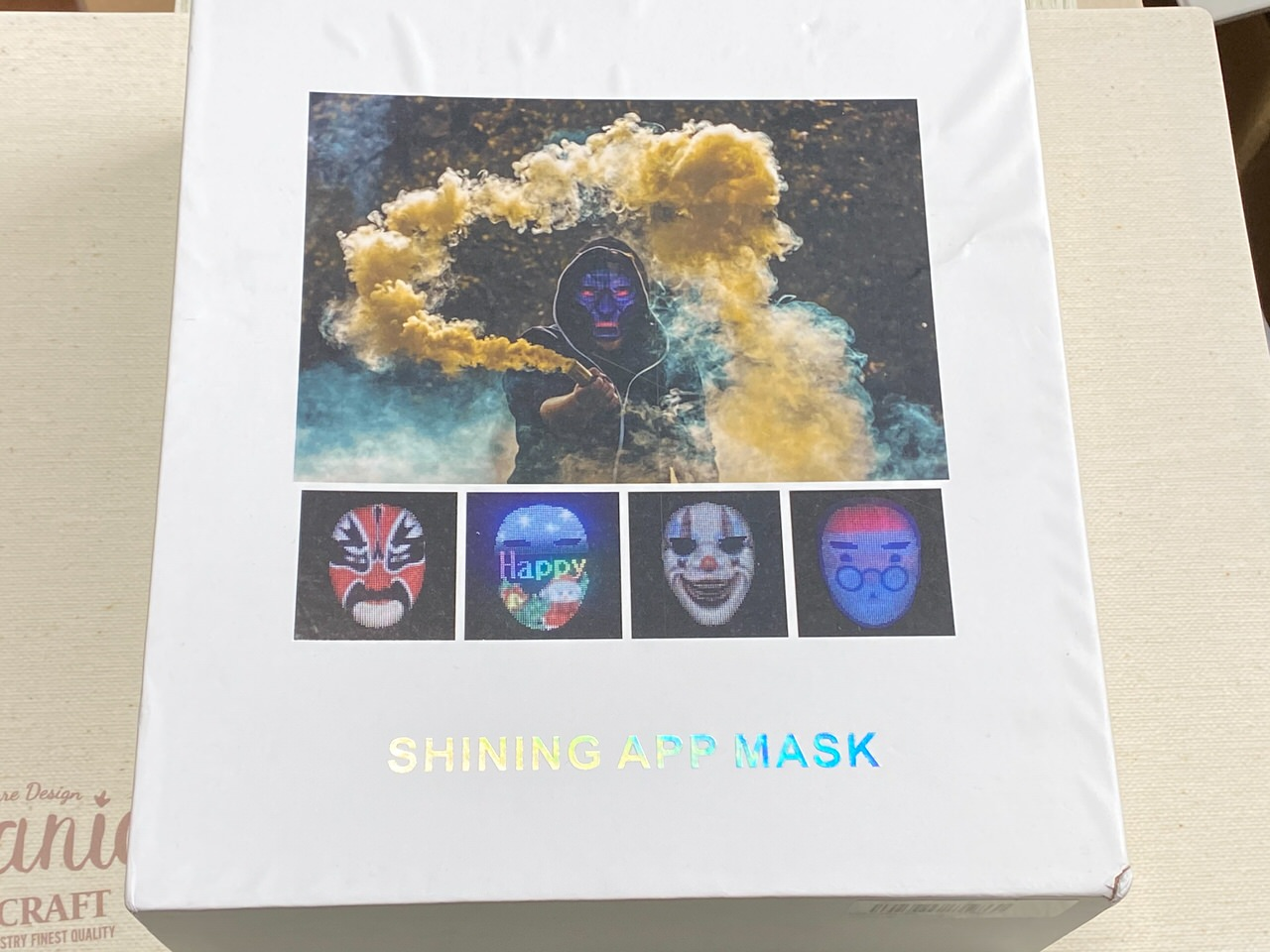 LEDディスプレイ搭載のフェイスマスク「Shining Mask(シャイニングマスク)」を買ってみた 01