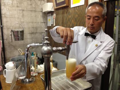 広島のビールの角打ち「ビールスタンド重富」のマスターが東京で注ぐ!(8月4日〜6日)