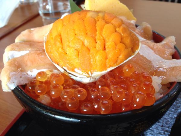 ウニの貝焼きドーン!「黄金丼」道の駅よつくら港にて海鮮丼 #勝手にいわきガイド