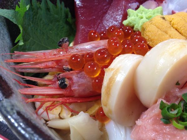 「どんぶり屋」小名浜港でたっぷり海鮮丼とメヒカリ唐揚げを食す! #勝手にいわきガイド