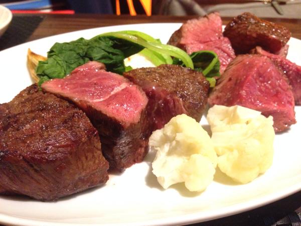 「ヌッフ デュ パプ(六本木)」岩手からやってきたフレンチビストロで短角牛の赤身の熟成肉(ランプ・イチボ)を味わう