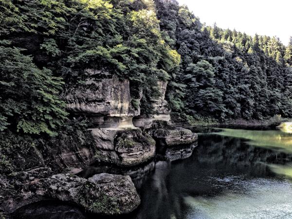 「塔のへつり」川沿いの奇岩(会津下郷) #福島美味 #会津下郷