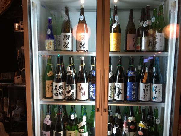 「貝と地酒専門 かいのみ(四谷)」3,000円で冷蔵庫にある日本酒が飲み放題!しかも時間無制限!貝を肴に!