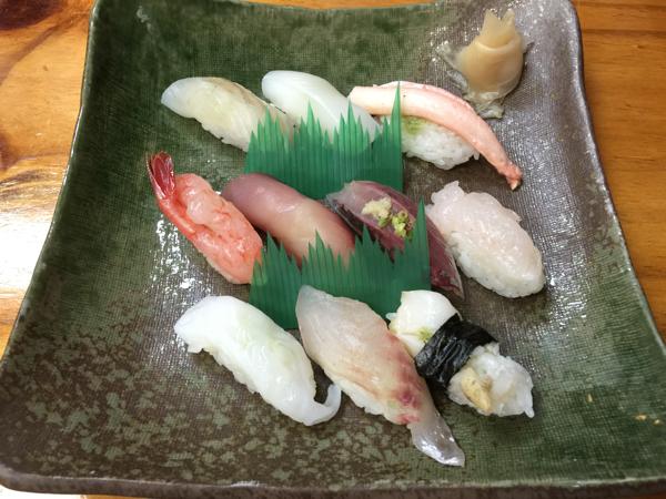 「富山湾鮨」富山湾で揚がる地魚を使った10貫で2,000円〜3,500円の寿司セット #富山プレスツアー
