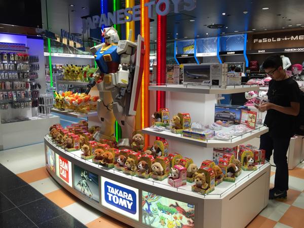 【羽田空港国際線ターミナル】ゲートの中は日本のお土産とか日本を感じる飲食店が #マレーシア0泊3日