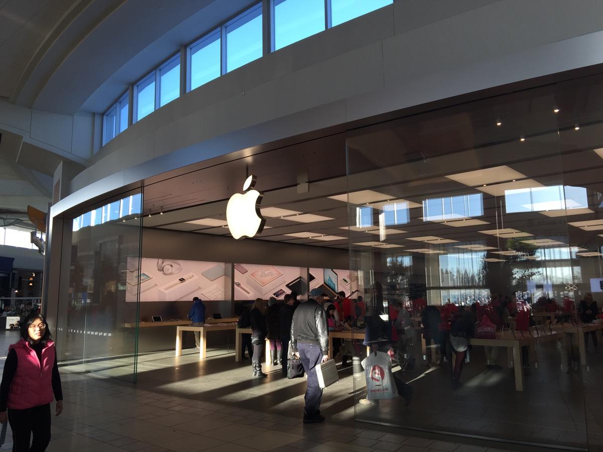 カルガリーMarket Mallの「Apple Store」日本未発売の製品が楽しい! #アルバータの冬