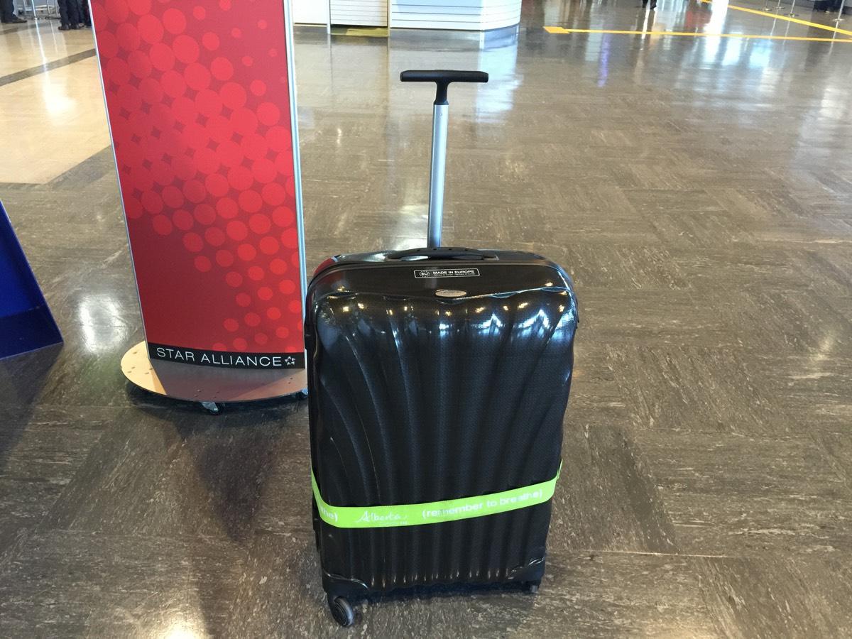 スーツケースレンタルサービスを利用してサムソナイトのスーツケースを借りてみた(スーツケースをレンタルするメリットを考える)