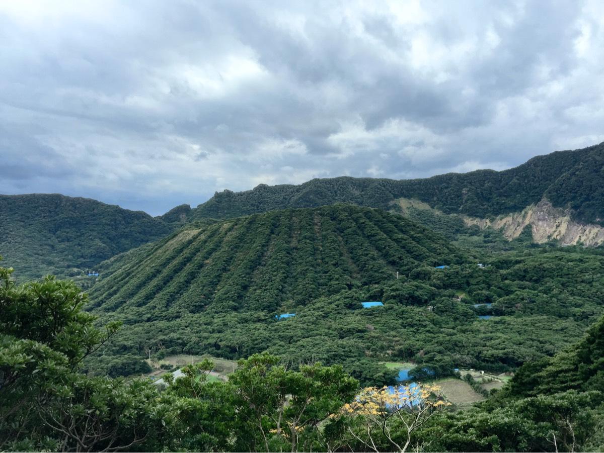 青ヶ島の二重カルデラの内輪山・丸山を歩く「丸山一周遊歩道」富士様まで登る #青ヶ島旅行