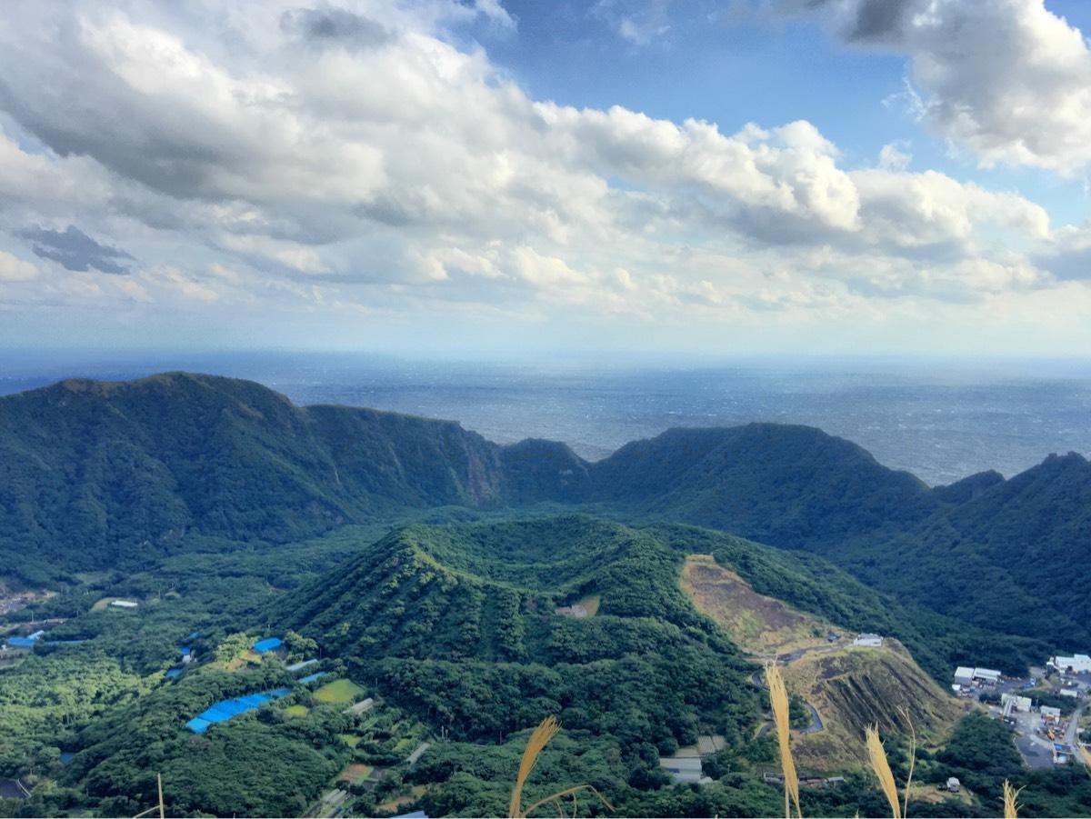 「尾山展望公園」から青ヶ島のカルデラをぐるり周り見る。夜は天然のプラネタリウム、星空鑑賞スポットに! #青ヶ島旅行