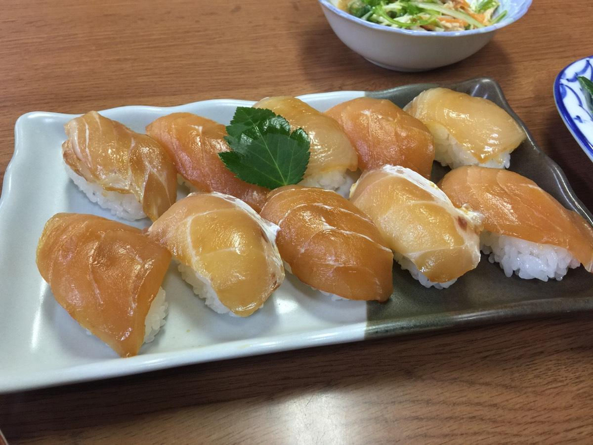 「ビジネス宿 中里」青ヶ島の美味しい料理がお腹いっぱい食べられる優しいお母さんのいる民宿 #青ヶ島旅行 #宿