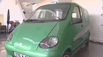 空気の力で走る自動車が開発中