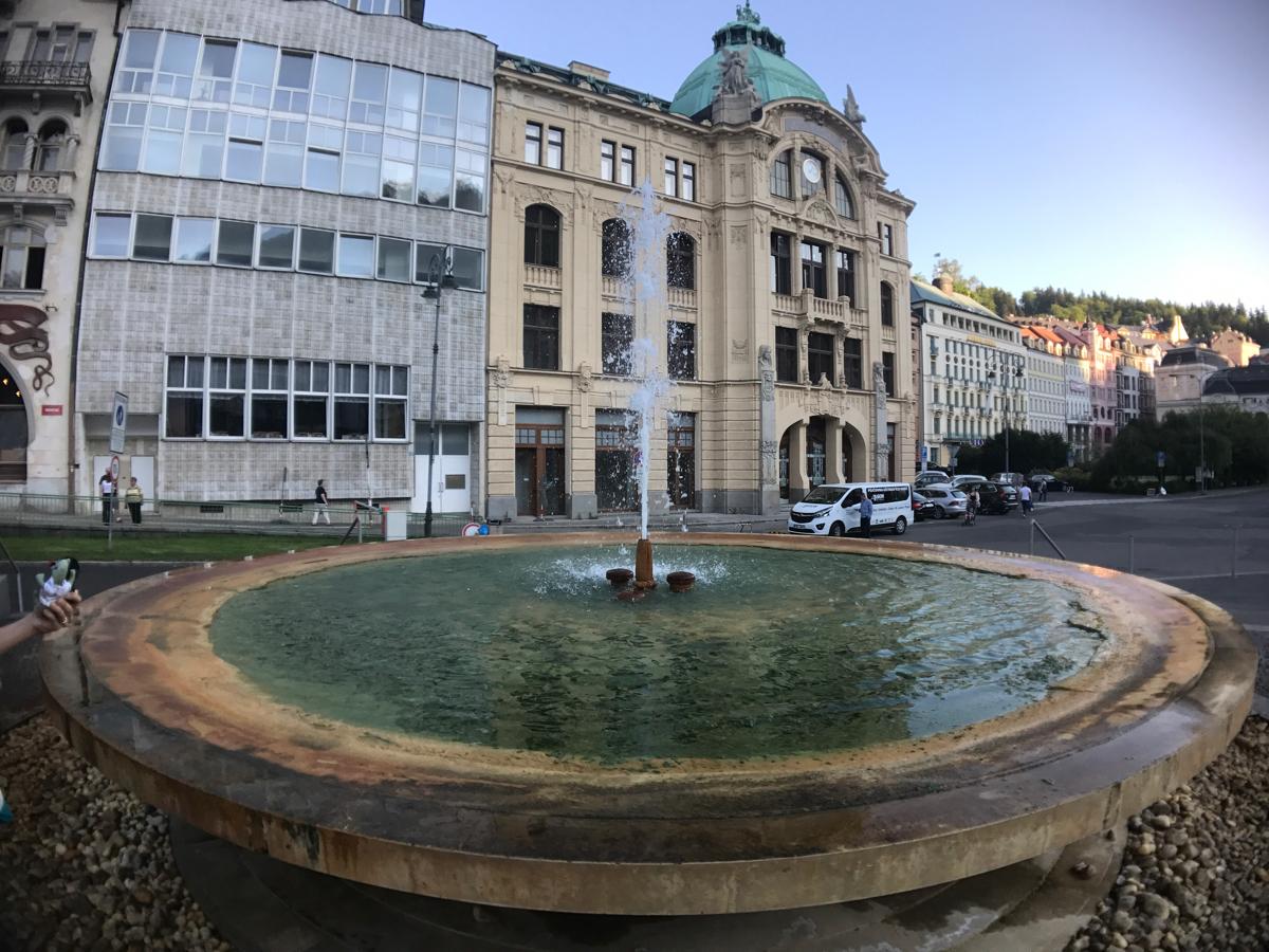 「カルロヴィヴァリ」チェコの有名な温泉保養地を散策して飲泉 #カルロヴィヴァリ #チェコへ行こう #visitCzech